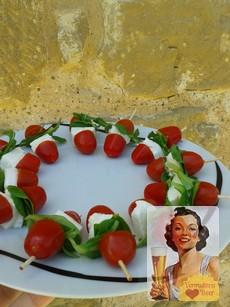 Rustic Chic Tapas mozarella, ensalada caprese, tapas con mozzarella, tapas con tomate cherry, brochetas sanas