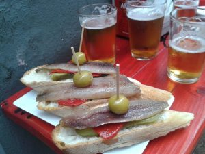 guardia civil zaragoza, tapas de bar, cenar en zaragoza, tapas zaragoza, pinchos zaragoza, cena informal